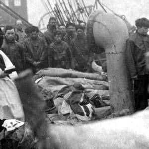 Haunting photo uncovered of Titanic victims being buried