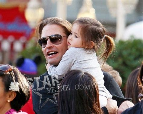 Josh Holloway and his daughter   CUTE BABIES AND CHILDREN