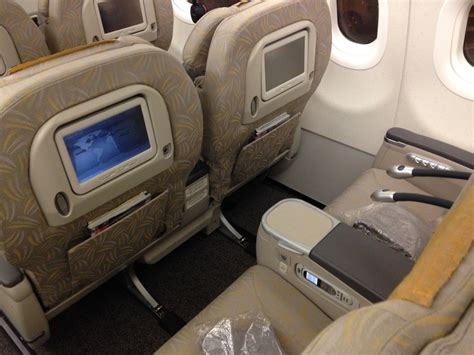 Flight Review: Asiana A321 Business Class - Live and Let's Fly