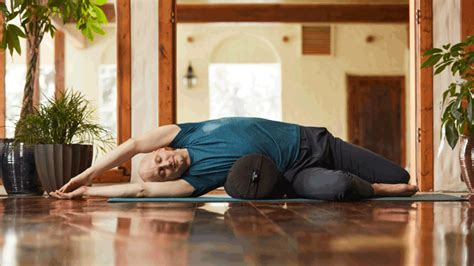 Josh Summers' Yin Yoga Poses That Build Strong, Healthy Qi