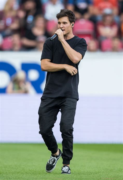 Wincent Weiss - Wincent Weiss Photos - Champions for